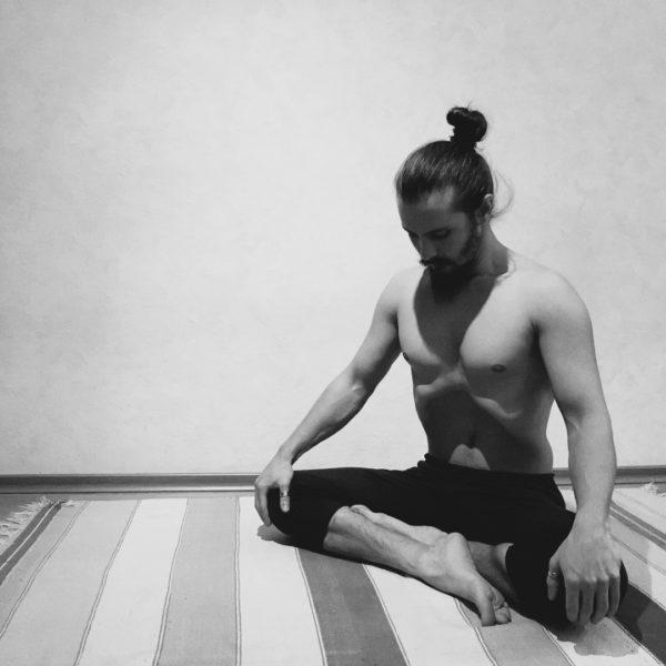 Хатха-йога для начинающих в СПб