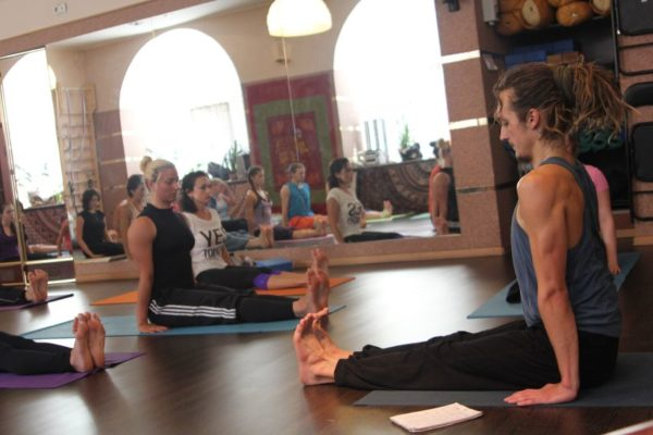 Йога для позвоночника в СПб