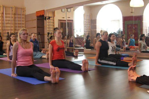 Йога для начинающих в СПб